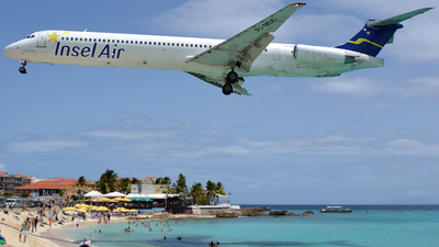 PJ-MDE - McDonnell Douglas MD-82 - Insel Air