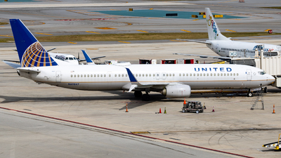 A picture of N69847 - Boeing 737924(ER) - United Airlines - © soflo_spotter