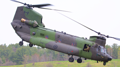 147303 - Boeing CH-47F Chinook - Canada - Royal Air Force