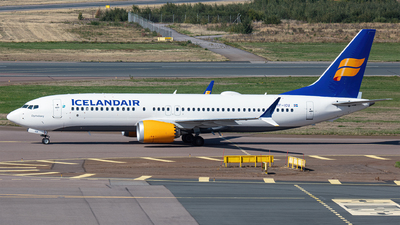 A picture of TFICU - Boeing 737 MAX 8 - Icelandair - © Airlinergeek