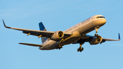 N19141 - Boeing 757-224 - United Airlines