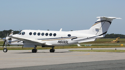 N60DL - Beechcraft B300 King Air 350 - Private
