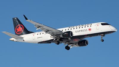 A picture of CFEJD - Embraer E175SU - Air Canada - © Kevin Leinweber