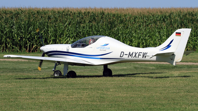 A picture of DMXFW - Aerospool WT9 Dynamic - [DY013/2002] - © Eddie Heisterkamp