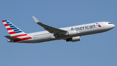 N383AN - Boeing 767-323(ER) - American Airlines