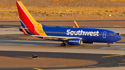 N7843A - Boeing 737-752 - Southwest Airlines