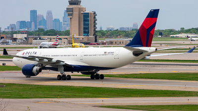A picture of N851NW - Airbus A330223 - Delta Air Lines - © Mateo Skinner