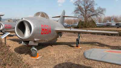 8604 - Mikoyan-Gurevich MiG-15bis Fagot - China - Air Force