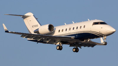N7886 - Bombardier CL-600-2B16 Challenger 604 - Private