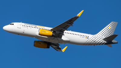 EC-MKN - Airbus A320-232 - Vueling