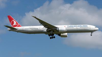 A picture of TCJJK - Boeing 7773F2(ER) - Turkish Airlines - © Sebastian Thiel