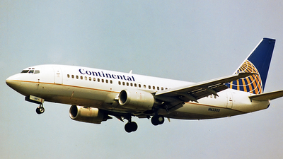 N63305 - Boeing 737-3T0 - Continental Airlines