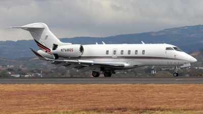 A picture of N768QS - Bombardier Challenger 350 - NetJets - © Kenneth Mora Flores KMF777