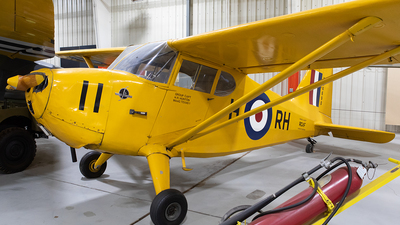 N34690 - Stinson 10A Voyager - Private