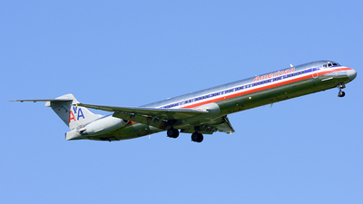 N556AA - McDonnell Douglas MD-82 - American Airlines