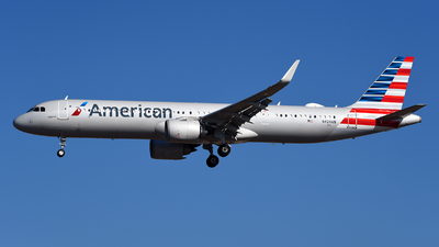 A picture of N424AN - Airbus A321253NX - American Airlines - © Rocky Wang