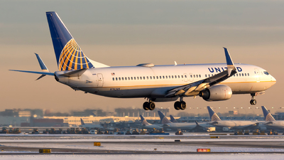 A picture of N76265 - Boeing 737824 - United Airlines - © Kevin Cargo