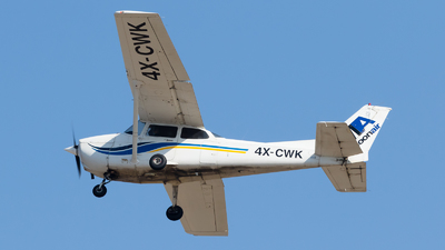 4X-CWK - Cessna 172S Skyhawk SP - MoonAir