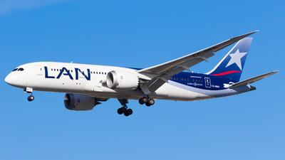 A picture of CCBBG - Boeing 7878 Dreamliner - LATAM Airlines - © Martin Rogosz