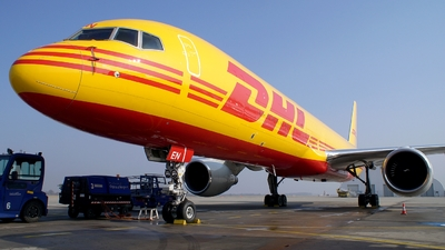 D-ALEN - Boeing 757-2Q8(SF) - DHL (European Air Transport)