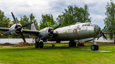 01 - Tupolev Tu-4 Bull - Soviet Union - Air Force