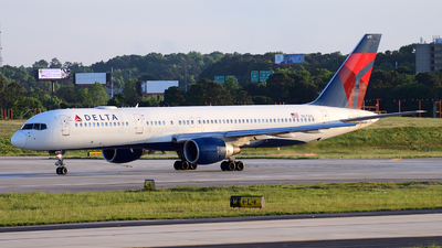 A picture of N673DL - Boeing 757232 - Delta Air Lines - © Agustin Anaya