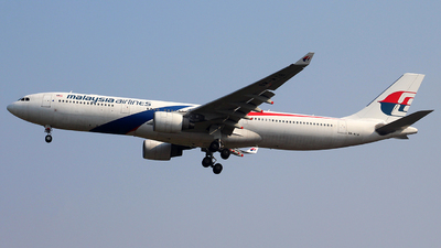 A picture of 9MMTB - Airbus A330323 - Malaysia Airlines - © Taufik Syakirillah