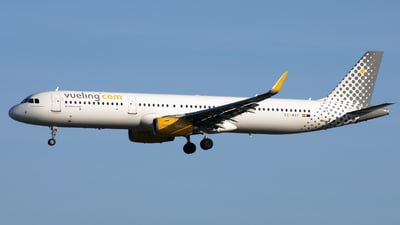 A picture of ECMRF - Airbus A321231 - Vueling - © Hawkwind