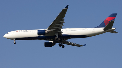 N818NW - Airbus A330-323 - Delta Air Lines