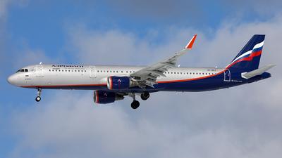 VP-BKZ - Airbus A321-211 - Aeroflot
