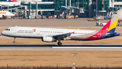 HL8256 - Airbus A321-232 - Asiana Airlines
