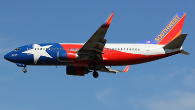N352SW - Boeing 737-3H4 - Southwest Airlines