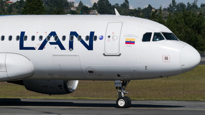 CC-BAW - Airbus A320-214 - LAN Airlines