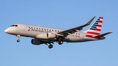 A picture of N217NN - Embraer E175LR - American Airlines - © Stephen J Stein