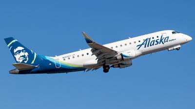 A picture of N404SY - Embraer E175LR - Alaska Airlines - © Wes Loeffler