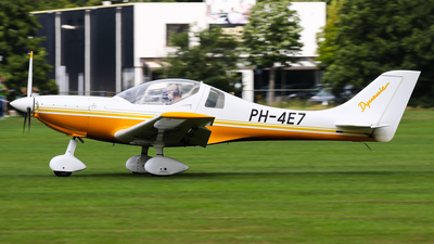 A picture of PH4E7 - Aerospool WT9 Dynamic - [DY318/2009] - © C. v. Grinsven