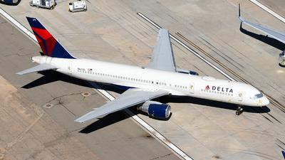 N675DL - Boeing 757-232 - Delta Air Lines