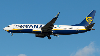 A picture of EIDWW - Boeing 7378AS - Ryanair - © Szabó Imre