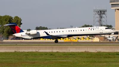 A picture of N823SK - Mitsubishi CRJ900LR - Delta Air Lines - © Jeremy D. Dando