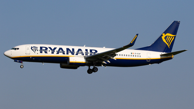 A picture of EIEXF - Boeing 7378AS - Ryanair - © C. v. Grinsven