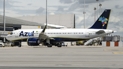 A picture of PRYRZ - Airbus A320251N - Azul Linhas Aereas - © Marcus Nobre - mikenovemberspotter