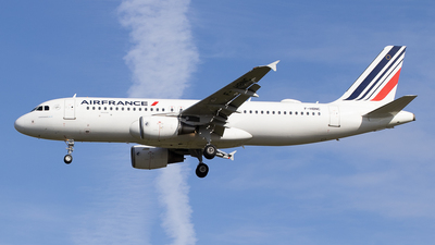 A picture of FHBNC - Airbus A320214 - Air France - © Pierre Pm
