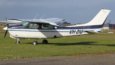 VH-ZIO - Cessna 210N Centurion II - Private