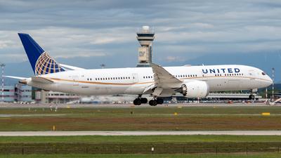 A picture of N19951 - Boeing 7879 Dreamliner - United Airlines - © Medolago Manuel