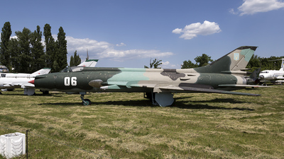 06 - Sukhoi Su-17 Fitter - Ukraine - Air Force