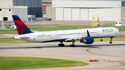 N593NW - Boeing 757-351 - Delta Air Lines