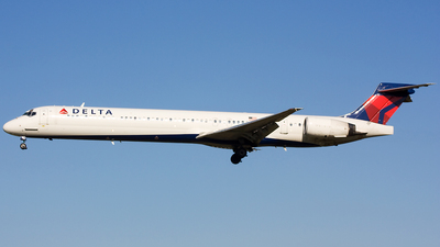 N916DN - McDonnell Douglas MD-90-30 - Delta Air Lines
