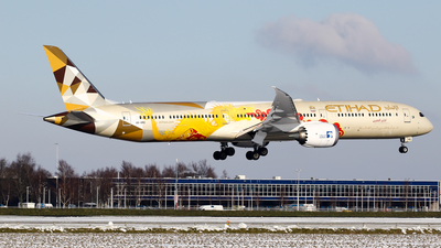 A picture of A6BMD - Boeing 78710 Dreamliner - Etihad Airways - © C. v. Grinsven