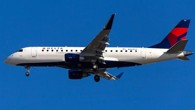 N284SY - Embraer 170-200LL - Delta Connection (SkyWest Airlines)