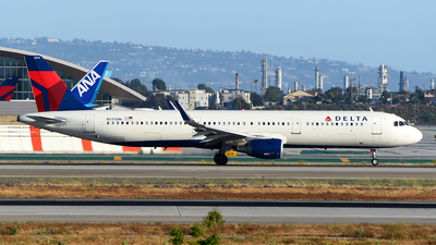 A picture of N375DN - Airbus A321211 - Delta Air Lines - © Rocky Wang